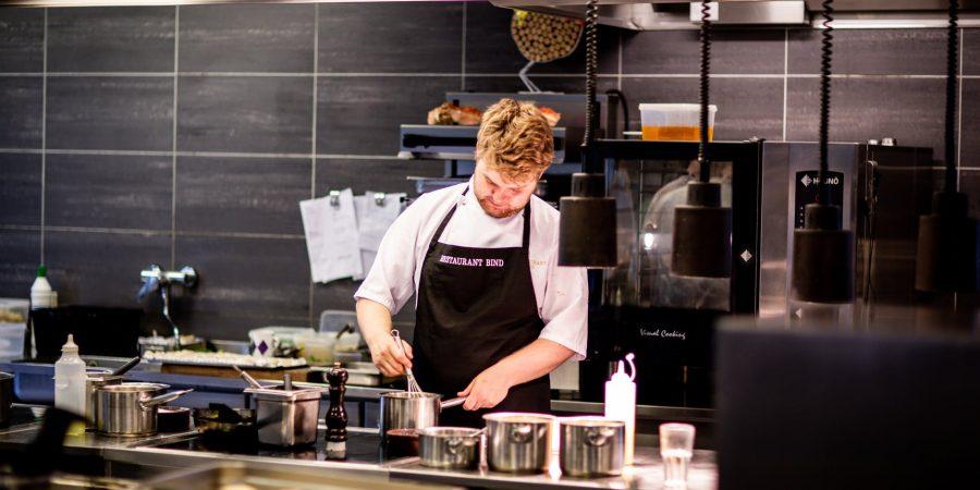 Opter pour une table inox pour la preparation culinaire